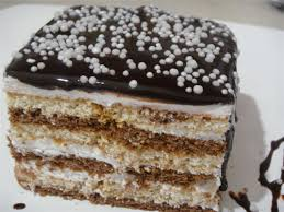 Çikolata Soslu Muhallebili Bisküvi Pastası Tarifi