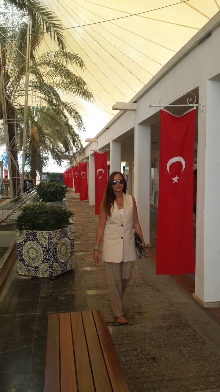 Pınar Pişkin 'Kadın kendi üzerinde çalışmalı ve kendisini kalabalıktan ayırabilmeli'