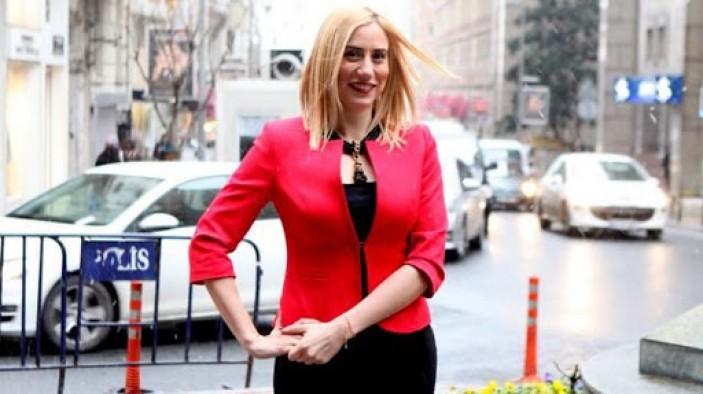 Emlak sektöründe hayat aşığı bir kadın; Zeynep Fıratoğlu