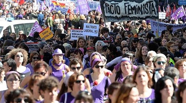İspanyol kadınlar greve gidiyor