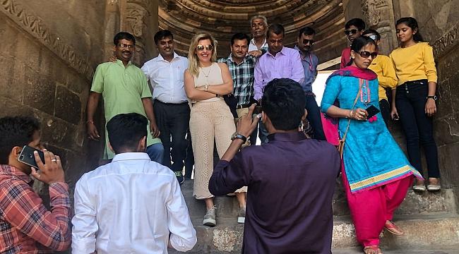 Cemiyetin ünlü çifti,Hindistan'ı yeniden keşfediyorlar!