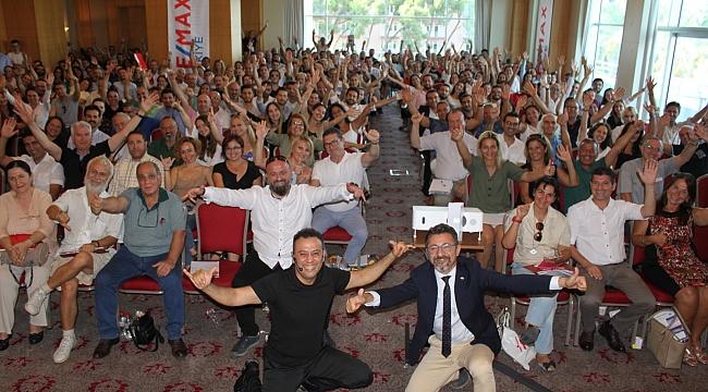 RE/MAX Türkiye'den rekor katılımlı kariyer semineri