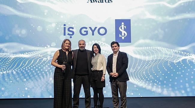 """İŞ GYO, The ONE Awards'da """"Yılın İtibarlısı"""" ödülünü aldı"""