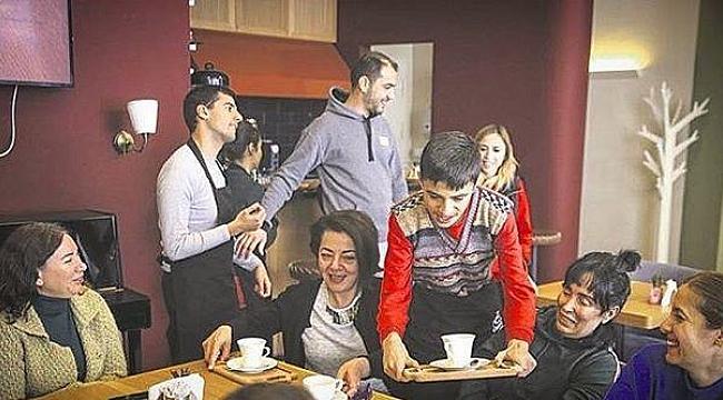 Otizmli çocuklar Ankara'daki Spektrum Cafe'de