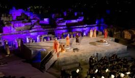 """""""Saraydan Kız Kaçırma"""" operası Mahall Bomonti İzmir desteğiyle Efes'te sahnelendi"""